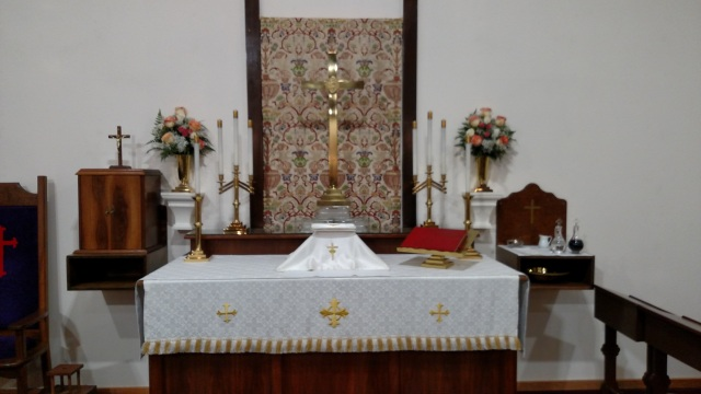 White altar frontal